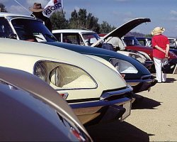 Citroen DS Parade at CitIn